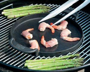 Plancha et barbecue deux-en-un